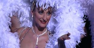 Spectacle de cabaret avec revue parisienne